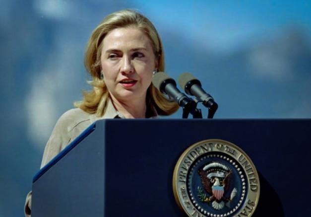 hillary_clinton_progressive_bernie_sanders_wall_street_presidential_campaign_2016_iraq_war_850_593